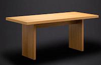 Tisch-mit-Plattengestell-Holz-aufgebaut