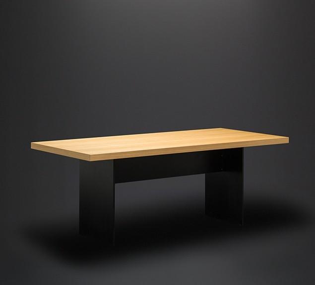 Plattengestell schwarz-Eiche-Echtholz-furniert-schräge-Vorderansicht