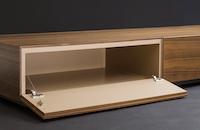Maßmöbel-Lowboard-Klappe-offen-Detail