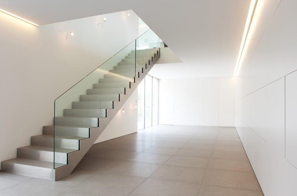 Architektonisch-schlicht