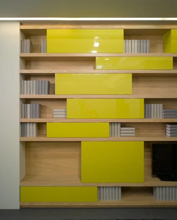 Bücherregal 11